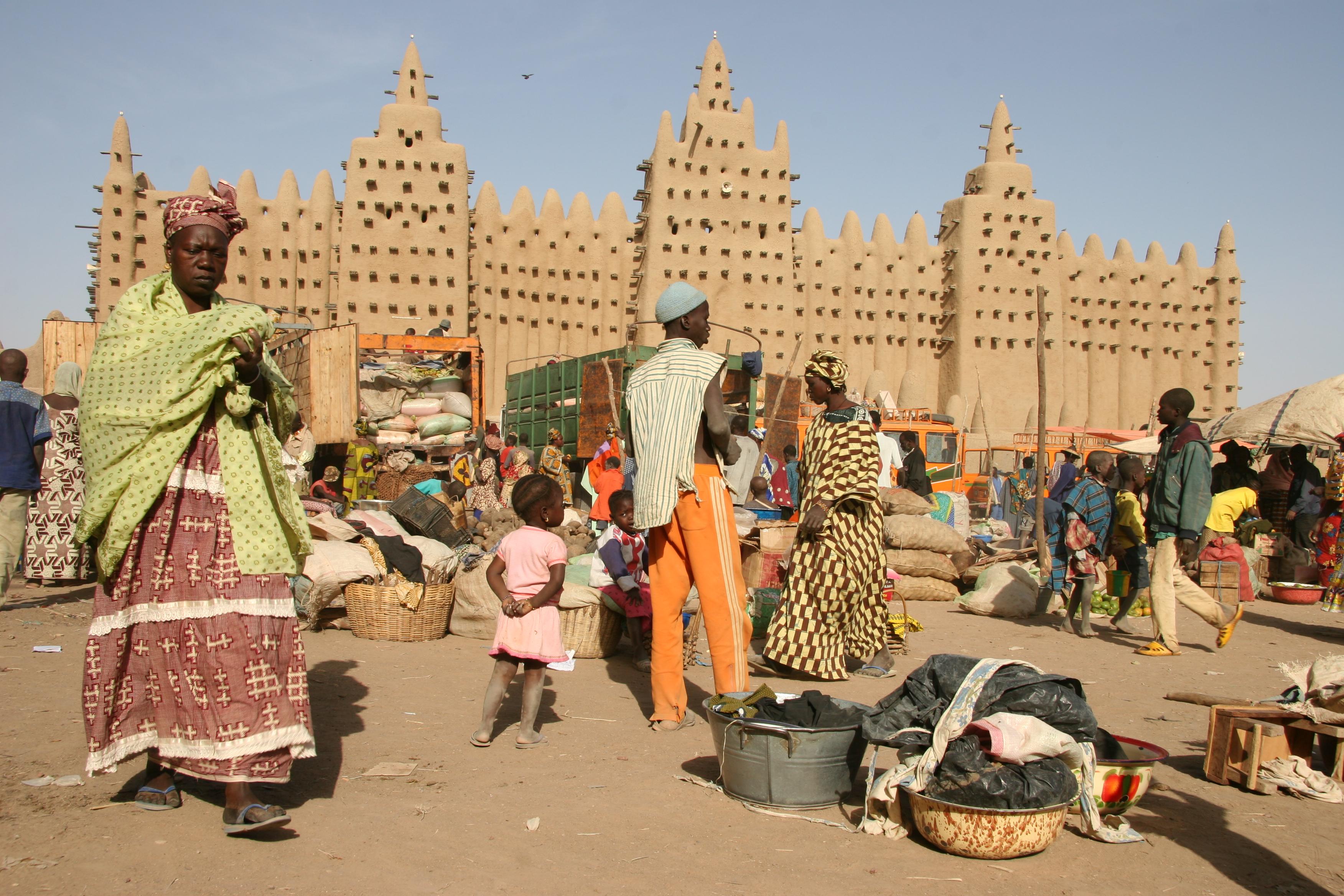 Mali_-_mosque_in_Djenné