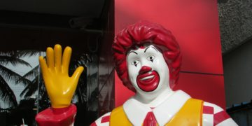 ronald mcdonald clown waving