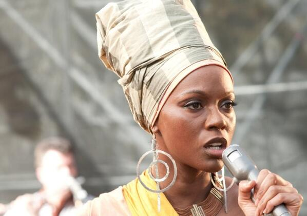 Zoe Saldana portrays Nina Simone in Blackface