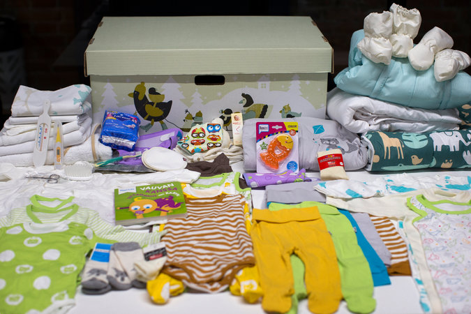 Finnish Baby Gift Box : Would you let your baby sleep in a cardboard box the