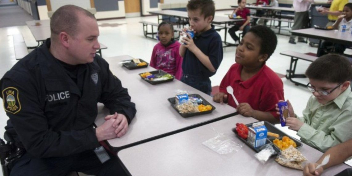 Children in New Jersey to be Taught How to Interact with Police