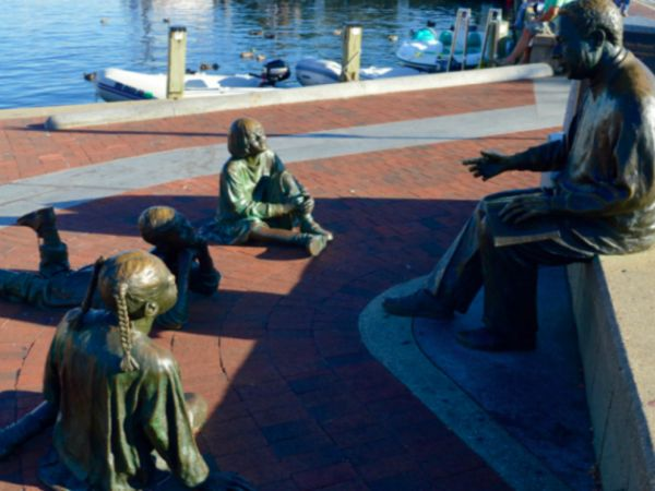 Statue of Alex Haley by the Annapolis Dock
