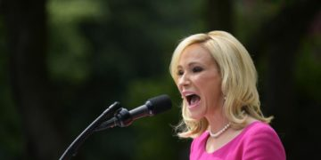 Paula White, Trump's Spiritual Advisor Demands Donations of up to One Month's Salary From Followers