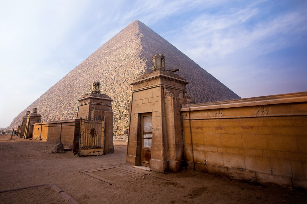 burial tomb in Egypt